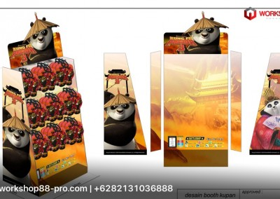 Display Product Sandal Sky Way Kungfu Panda di Gramedia